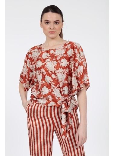 Vitrin Çiçek Desenli Beli Bağcıklı Bluz Kiremit